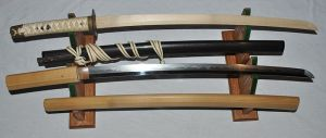 800px-Antique_Japanese_(samurai)_katana
