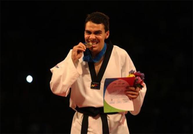 ¡Oro para México! Adriano gana final en Mundial de Taekwondo